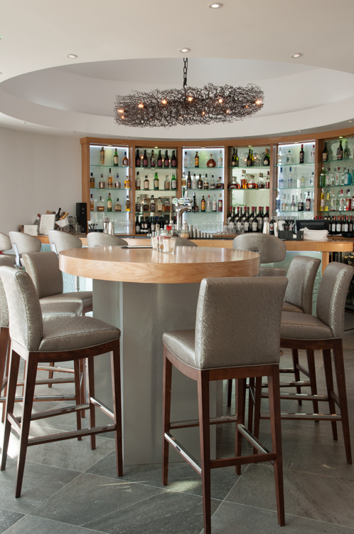 Holm House Hotel | Cocktail Bar and Table