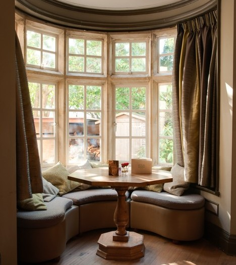 Holm House Hotel | Snug Bar Corner Table